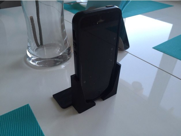 3D Holder for iPhone 5 with case model