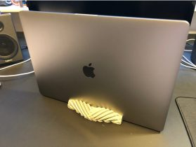 MacBook Pro 15' Vertical Stand 3D model
