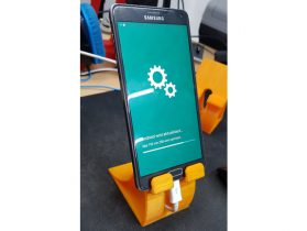 Mobile Phone Stand - Android Developement Helper