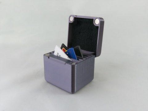 Magnetic SD Card Case Horiz
