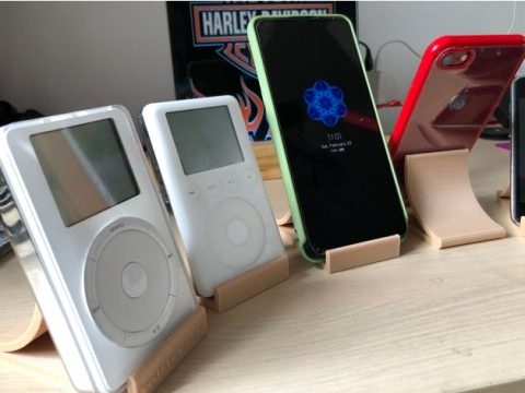 Universal stand for phones/tablets/Ipods/collections