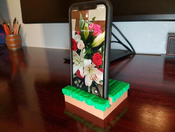 'Grass Block' Phone & Tablet Stand [Minecraft]