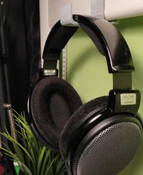 Headphone holder for IKEA beds