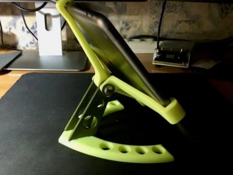 iPad 2020 stand