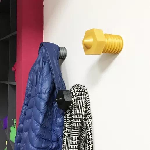 The Nozzle Hanger