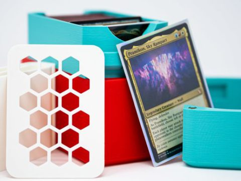 Commander Sized Square Deckbox With Magnetic Lid